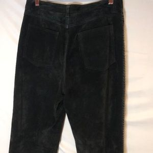 Chico's Leather Sued pants. Size 1. (8)